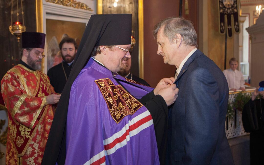 Приход нашего храма сердечно поздравляет Сергея Глебовича Медведева с Днём Рождения!