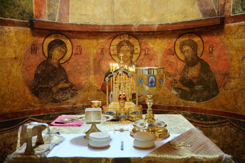 Ближайшая служба в нашем храме в субботу в 17:00 (вечернее богослужение) и в воскресенье в 08:30 (Божественная литургия).
