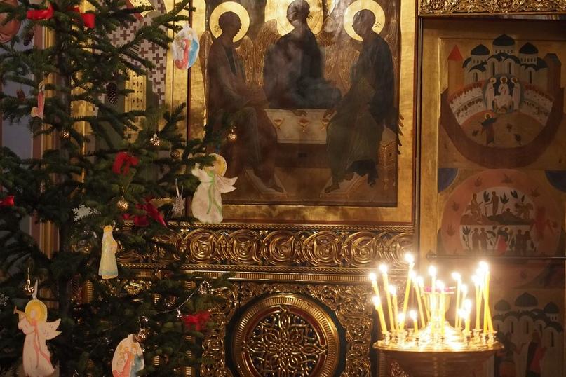 Сегодня, 26 ноября в память свт. Иоанна Златоустого -заговенье на Рождественский пост, который продлится до 7 января, праздника Рождества Христова.