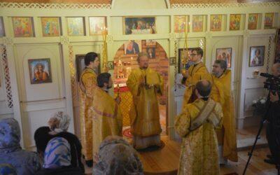 Сегодня в нашем храме впервые Божественную литургию возглавил правящий архиерей Выборгской епархии Владыка Игнатий.